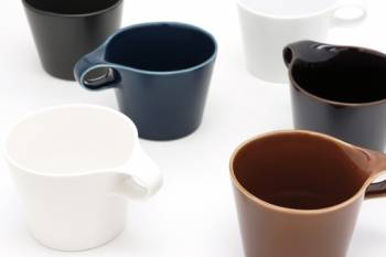 Stamug makes mugs with handles stackable