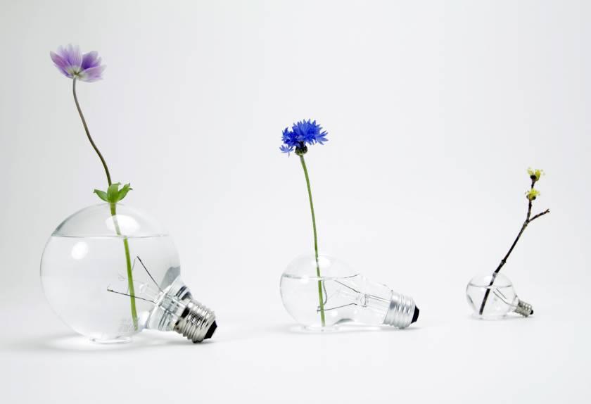 yuma kano - product designer - Lightbulb Vase