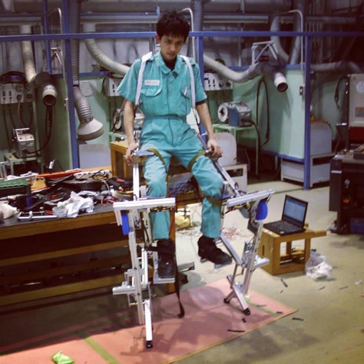 skeletonics robot japan technology