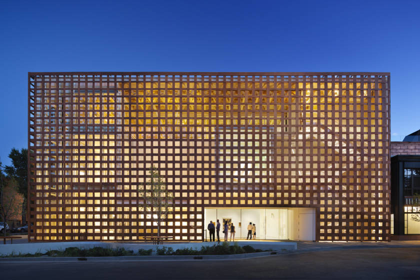 shigeru ban rebuilding lives through architecture